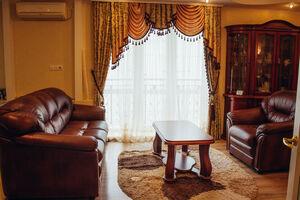 Продається 2-кімнатна квартира 90.3 кв. м у Кременчуку