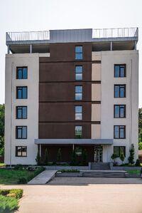 Продається 3-кімнатна квартира 108.8 кв. м у Києво-Святошинську