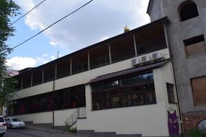 Сдается в аренду торгово-развлекательный комплекс 350 кв. м в 3-этажном здании