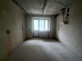 Продається 2-кімнатна квартира 70.2 кв. м у Тернополі