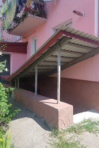 Продається приміщення вільного призначення 688 кв. м в 6-поверховій будівлі