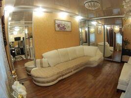Сдается в аренду 3-комнатная квартира 70 кв. м в Кропивницком