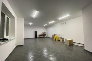 Сдается в аренду офис 68 кв. м в нежилом помещении в жилом доме