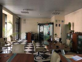 Продається приміщення вільного призначення 206 кв. м в 5-поверховій будівлі