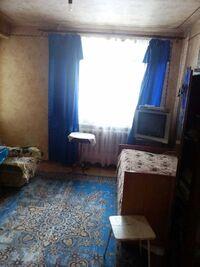 Продається 4-кімнатна квартира 72 кв. м у Полтаві