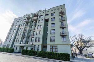 Продається 4-кімнатна квартира 178 кв. м у Полтаві