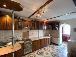 Продается 4-комнатная квартира 103 кв. м в Ивано-Франковске