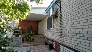 Продается одноэтажный дом 162 кв. м с бассейном