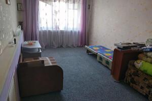 Продається 4-кімнатна квартира 68 кв. м у Херсоні