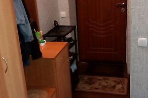 Продається 2-кімнатна квартира 43 кв. м у Полтаві