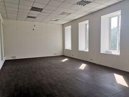 Сдается в аренду офис 48 кв. м в торгово-офисном центре