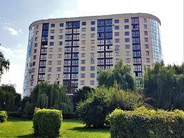 Продається 3-кімнатна квартира 138.1 кв. м у Хмельницькому