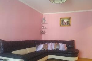Сдается в аренду 2-комнатная квартира 72 кв. м в Ужгороде