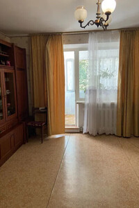 Продається 3-кімнатна квартира 74 кв. м у Херсоні