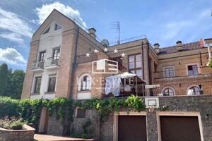 Продається будинок 4 поверховий 800 кв. м з верандою