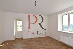 Продается 3-комнатная квартира 87 кв. м в Киеве