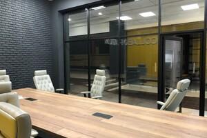 Сдается в аренду офис 600 кв. м в торгово-офисном центре