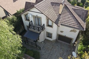 Продається будинок 2 поверховий 200.4 кв. м з гаражем
