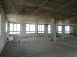 Продается офис 250 кв. м в нежилом помещении в жилом доме