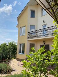 Продается дом на 2 этажа 223.6 кв. м с бассейном