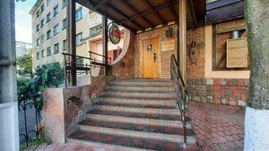 Сдается в аренду офис 300 кв. м в нежилом помещении в жилом доме
