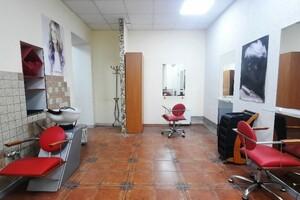 Продається офіс 62.3 кв. м в нежитловому приміщені в житловому будинку