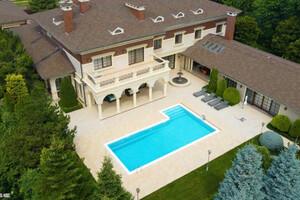 Продається будинок 2 поверховий 1500 кв. м з бесідкою