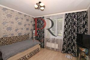 Продается 5-комнатная квартира 93 кв. м в Киеве