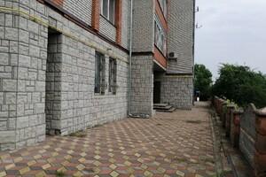 Продается офис 207 кв. м в нежилом помещении в жилом доме