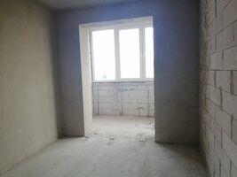 Продается 5-комнатная квартира 116.6 кв. м в Ровно
