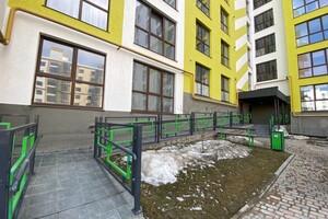 Продается 2-комнатная квартира 75 кв. м в Ровно
