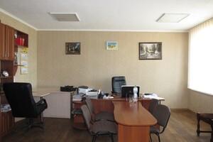 Продається офіс 300 кв. м в адміністративній будівлі