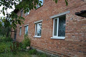 Продається 3-кімнатна квартира 65.3 кв. м у Макарові