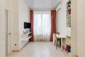 Продается 2-комнатная квартира 88 кв. м в Киеве