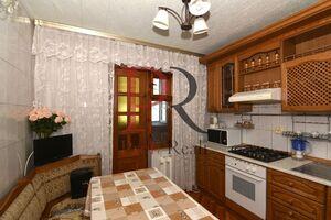 Продается 4-комнатная квартира 92 кв. м в Киеве