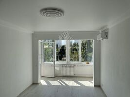 Продається 1-кімнатна квартира 34.5 кв. м у Києві