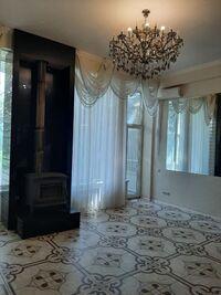 Сдается в аренду 3-комнатная квартира 170 кв. м в Днепре