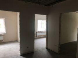 Продається 2-кімнатна квартира 60.7 кв. м у Макарові