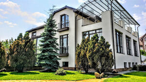 Продається будинок 2 поверховий 650 кв. м з бесідкою