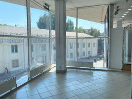 Сдается в аренду торгово-развлекательный комплекс 20.5 кв. м в 3-этажном здании