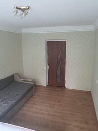 Продається 2-кімнатна квартира 45 кв. м у Києві