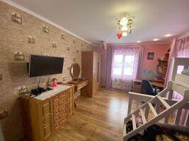 Продається 3-кімнатна квартира 165 кв. м у Тернополі