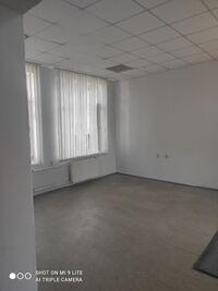 Здається в оренду офіс 52 кв. м в адміністративній будівлі
