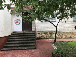 Продається офіс 102.6 кв. м в нежитловому приміщені в житловому будинку