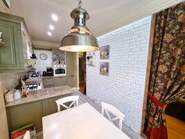 Продається 2-кімнатна квартира 84.8 кв. м у Ірпені