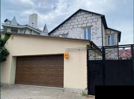 Продається будинок 2 поверховий 160 кв. м з гаражем