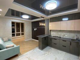 Сдается в аренду 4-комнатная квартира 92 кв. м в Житомире
