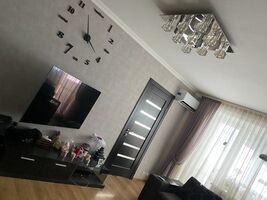 Продається 3-кімнатна квартира 55 кв. м у Олександрії