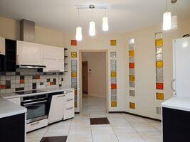 Продается 3-комнатная квартира 111 кв. м в Харькове