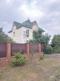 Продается дом на 2 этажа 245 кв. м с мансардой